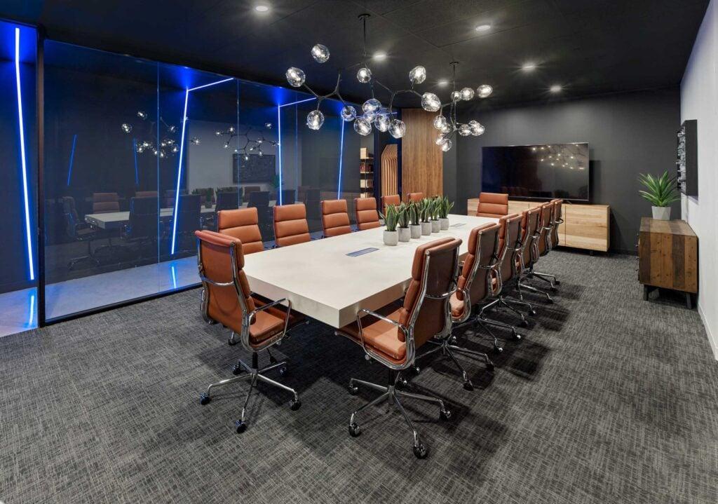 DLZ-LFL_09_Exec Conference Room